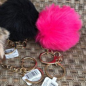 🌻 NWT Hot Pink Fuzzy Pom Pom Keychain Ball